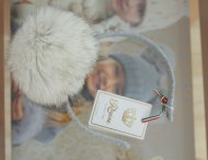 REGINA Süßer Haarreif mit Fellbommel grau